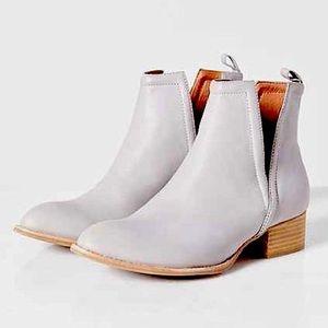 MUSKRAT Jeffrey Campbell Grey Leather Western Boot